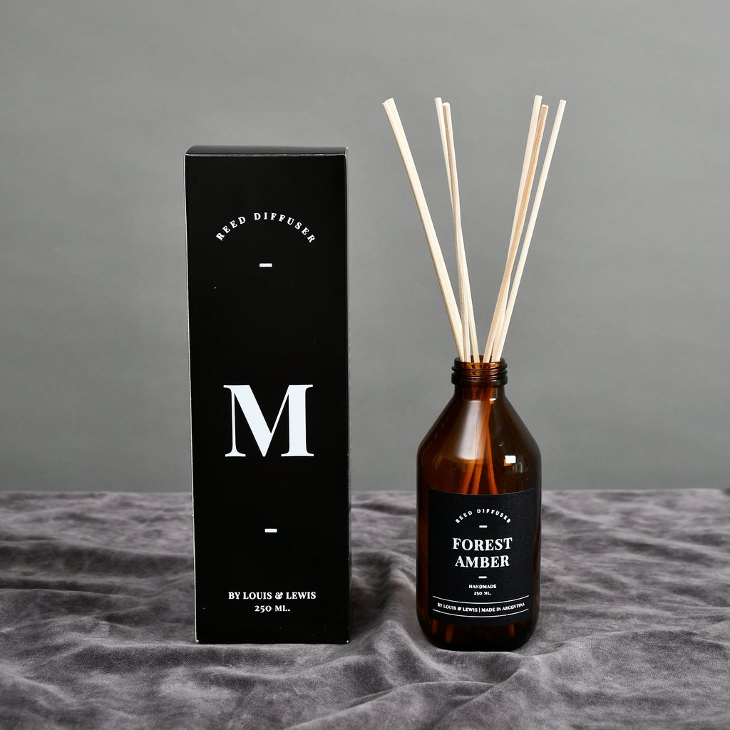 Reed Diffuser Moonlight: Smells like Forest Amber