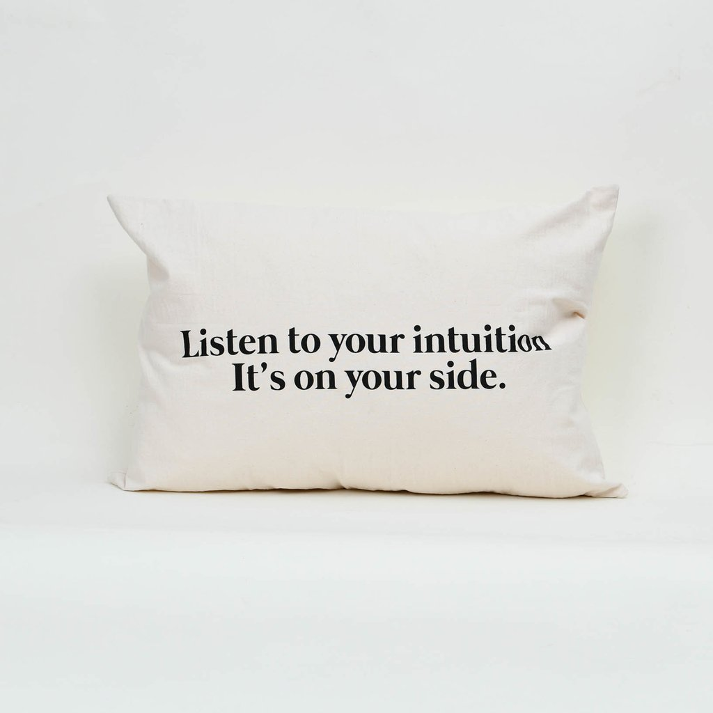 Almohadon 70 x 50 Listen To Your Intuition