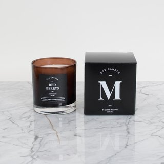 Moonlight Candle: Smells like Red Berrys