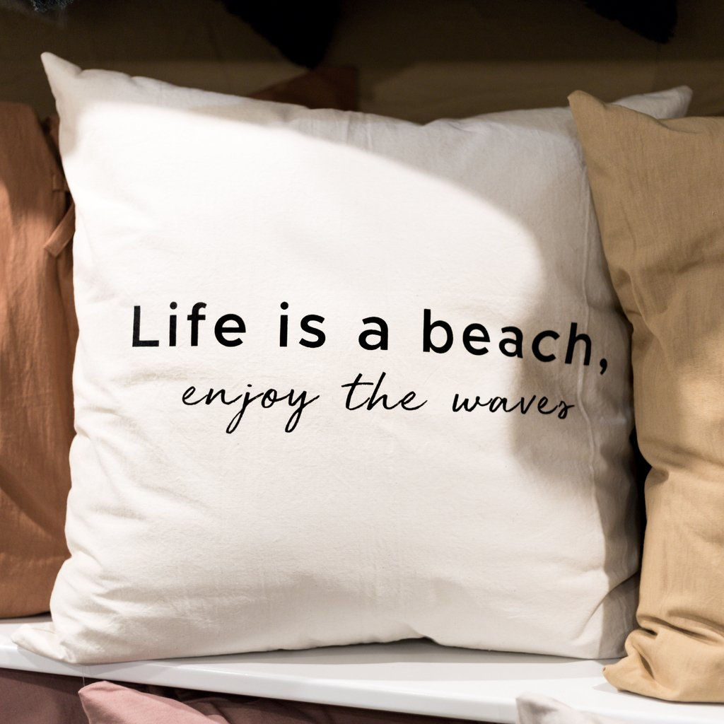 Almohadon 60x60 Life Is A Beach
