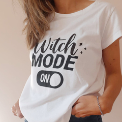 Remera Witch B&N - comprar online