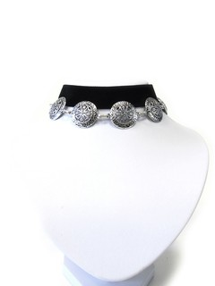 Collar chocker con dijes