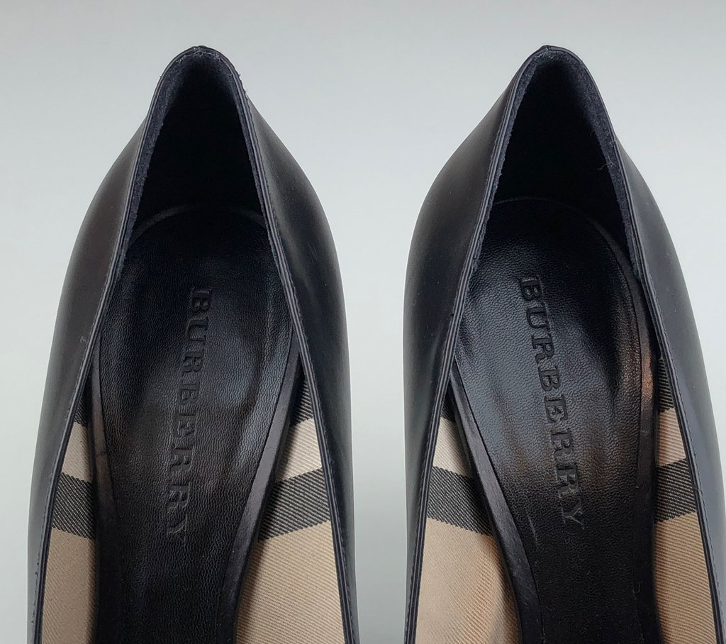 46ecdc95f9 ... internet  Sapato Scarpin Burberry Preto 39 5 EUR - Paris Brechó -  Artigos de Luxo Seminovos ...