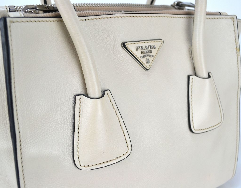f274d7bb6 Bolsa Prada Twin Pocket cor Talco
