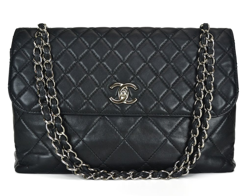 97a37e480e71c Bolsa Chanel Lambskin In-the-Business Flap
