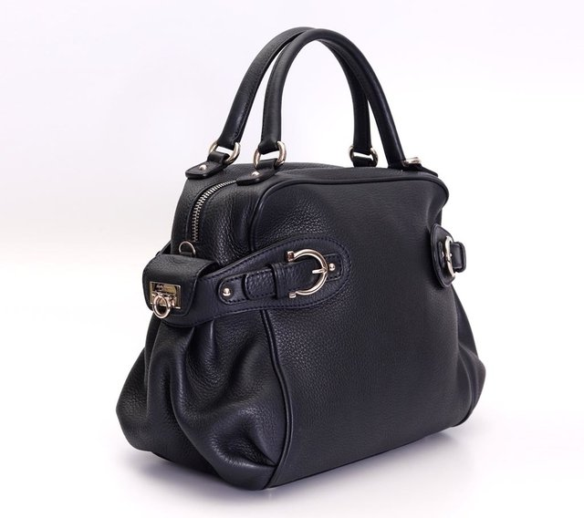Bolsa Salvatore Ferragamo Blueberry Pebbled Calfskin - Paris Brechó - Artigos de Luxo Seminovos
