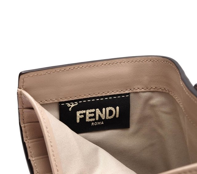 Carteira Fendi Faces Vit. Liberty Media 8M0379 na internet