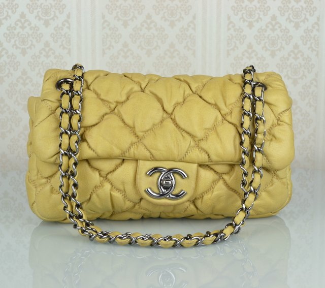 Bolsa Chanel Bubble Lambskin Small Flap
