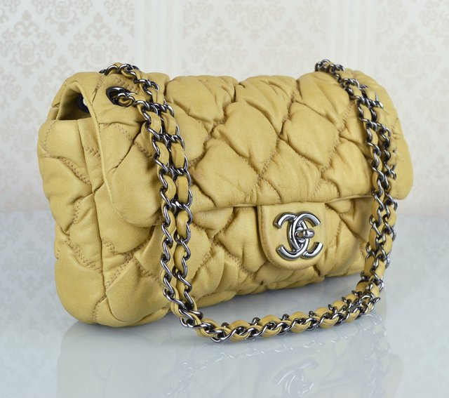 Bolsa Chanel Bubble Lambskin Small Flap - comprar online