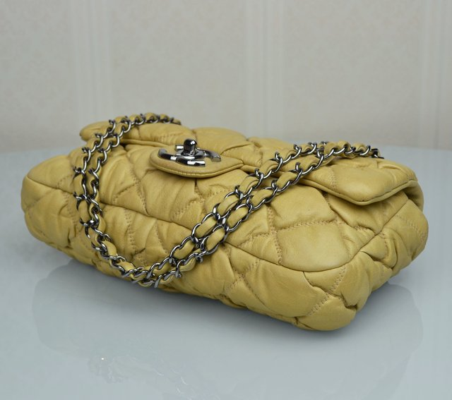Bolsa Chanel Bubble Lambskin Small Flap - loja online