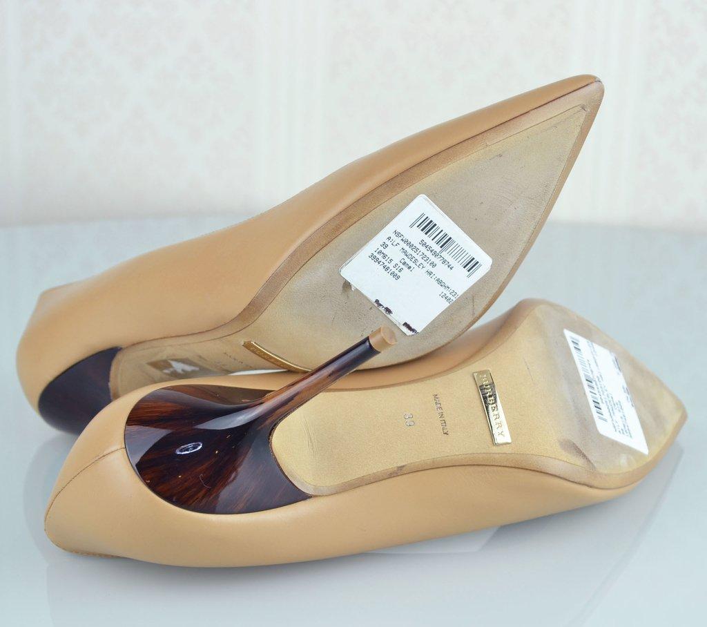 89692ce95f ... Sapato Scarpin Burberry 39 EUR - loja online ...