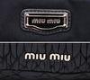 Bolsa Miu Miu Turnlock Top Handle Couro Nappa Matelassê na internet