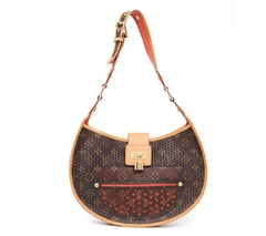 Bolsa Louis Vuitton Perforated Demi Lune