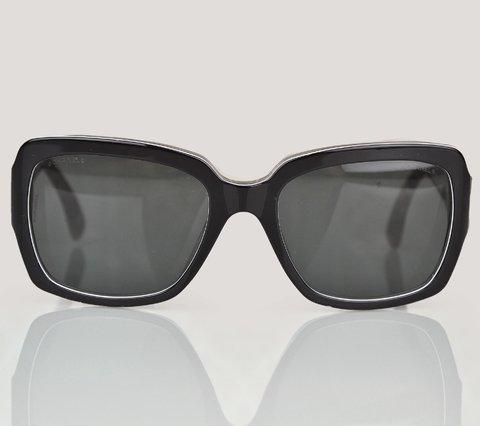 oculos - Paris Brechó - Artigos de Luxo Seminovos 523307e659