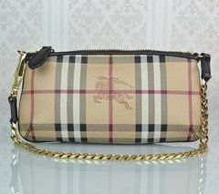 814cc54d7e8 Clutch Burberry Haymarket Check