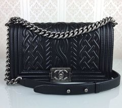 Bolsa Chanel Black Embossed Leather Medium Celtic Boy