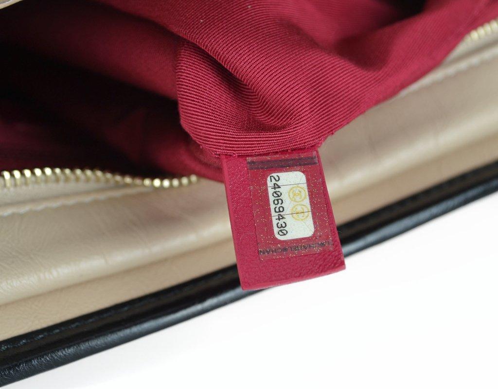 0b5d5b2419c ... Paris Brechó - Artigos de Luxo Seminovos  Bolsa Chanel Gabrielle Hobo  Large - loja online  Imagem do Bolsa Chanel Gabrielle Hobo Large ...