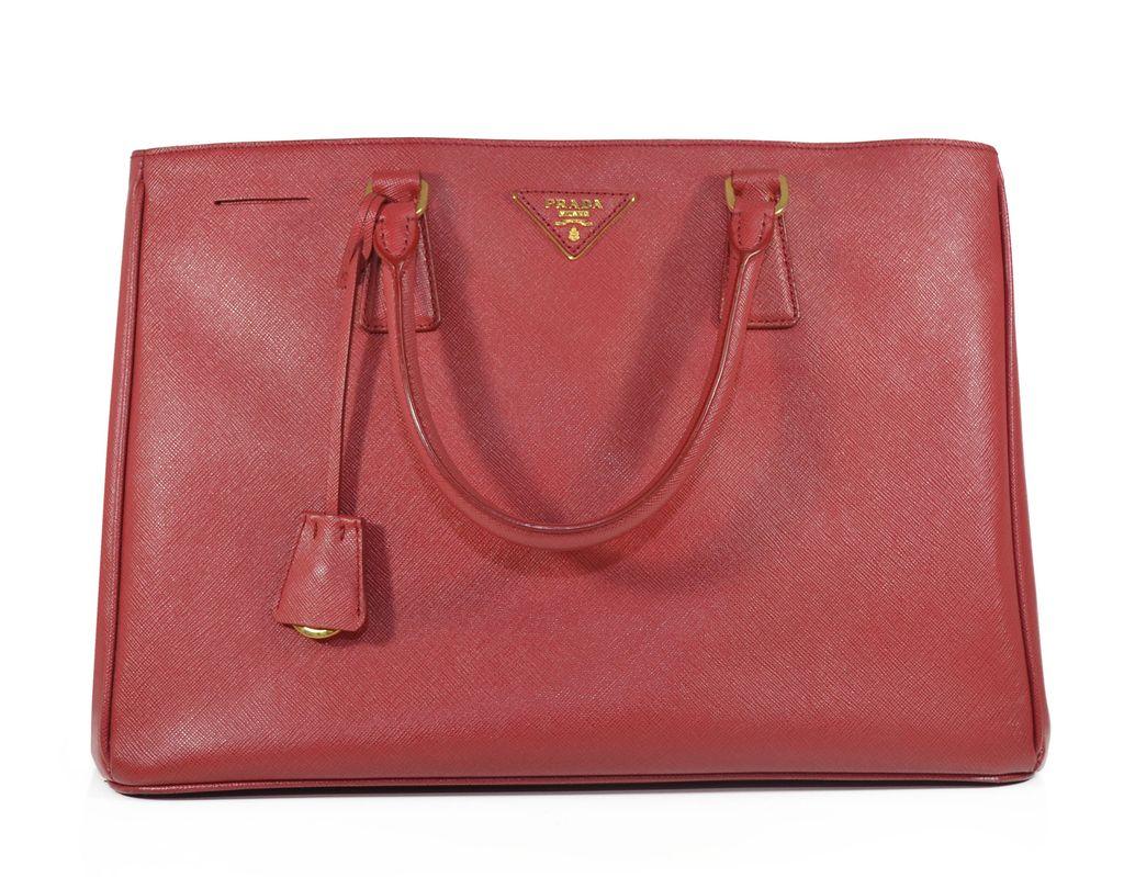 44af4dcdd47 Bolsa Prada em couro Saffiano Vermelha - comprar online ...