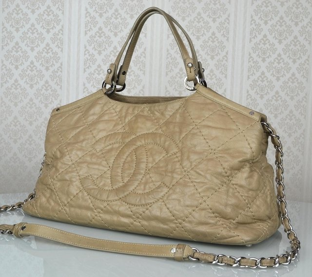 Bolsa Chanel Bege Sea Hit Tote - Paris Brechó - Artigos de Luxo Seminovos