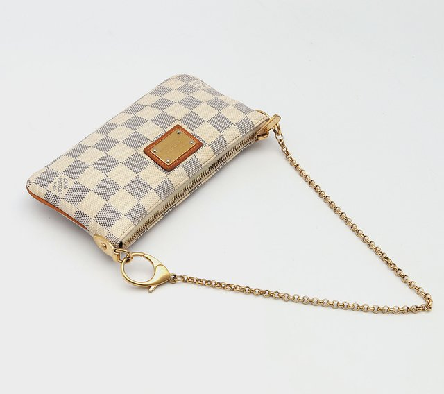 Bolsa Pochette Louis Vuitton Milla MM Azur na internet