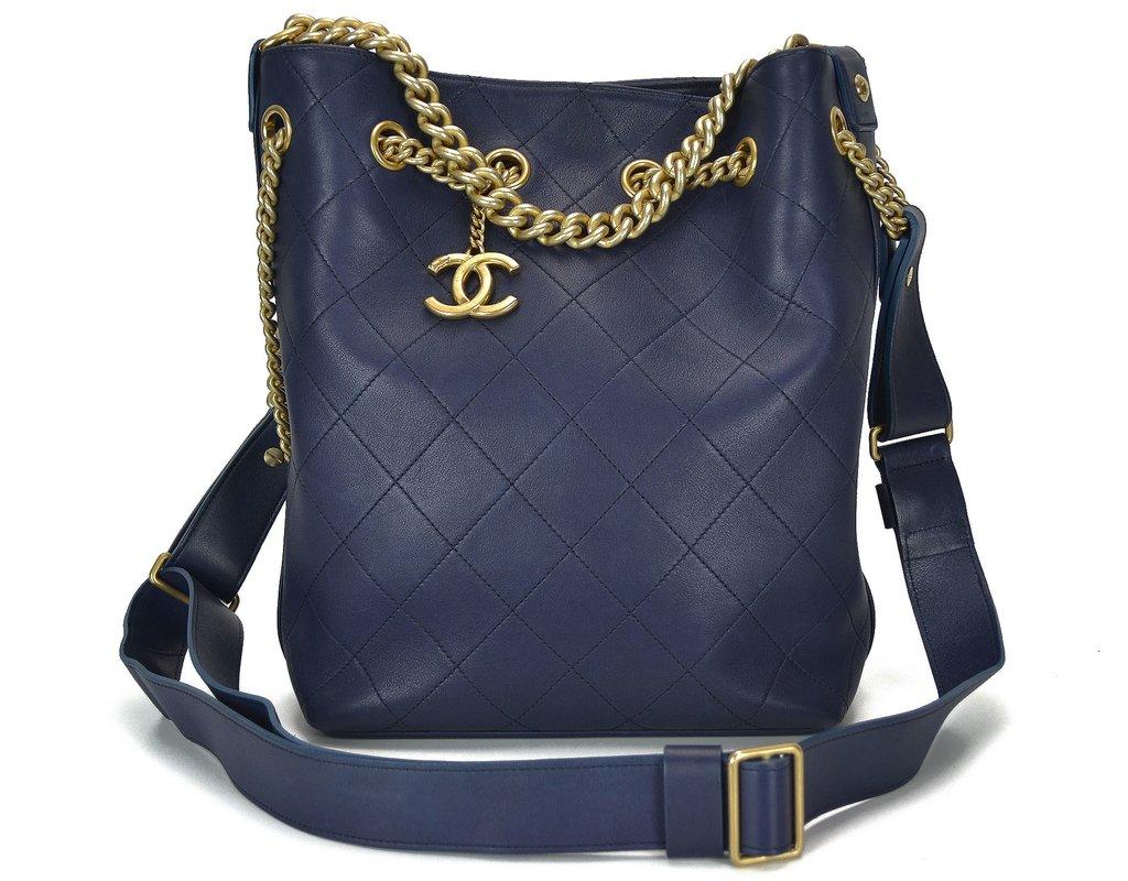 Bolsa Chanel Drawstring Azul e07434a628