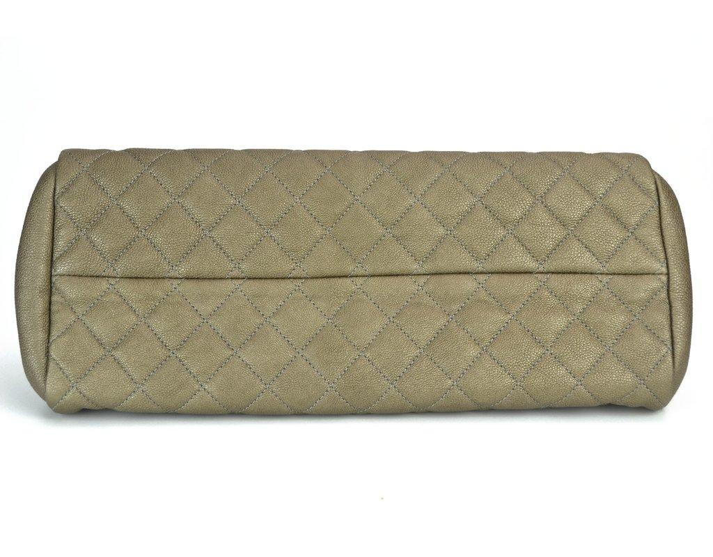 ce6ff375cf9 ... Bolsa Chanel Just Mademoiselle Dark Gold Caviar - comprar online ...