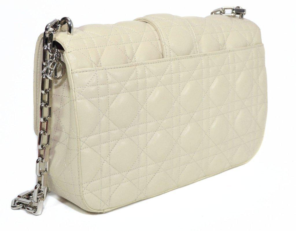 ... Bolsa Miss Dior na cor Creme na internet ... 5db2431fb2