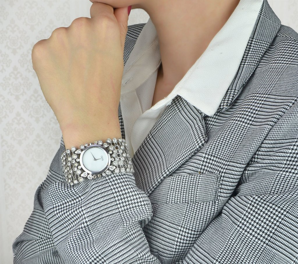 a9137f1cab1 ... Relógio Dolce   Gabbana - comprar online  Relógio Dolce   Gabbana na  internet  Relógio Dolce   Gabbana - Paris Brechó - Artigos de Luxo Seminovos  ...