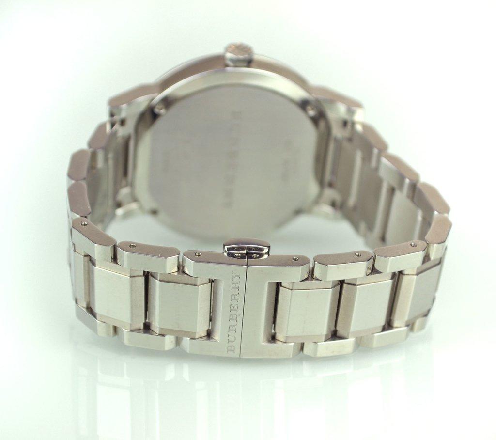 7672302235a ... Relógio Burberry Prata 22858 - comprar online ...