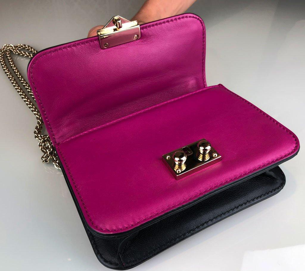 3e570e5b3 ... Bolsa Valentino Rockstud Lock Mini Flap - loja online ...