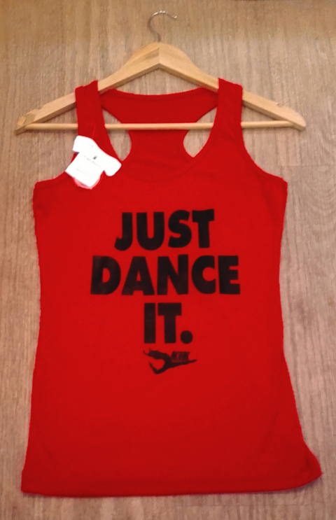 Musculosa deportiva - JUST DANCE IT /roja
