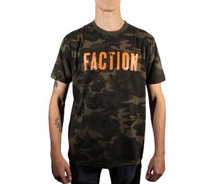 REMERA FACTION LOGO CAMO