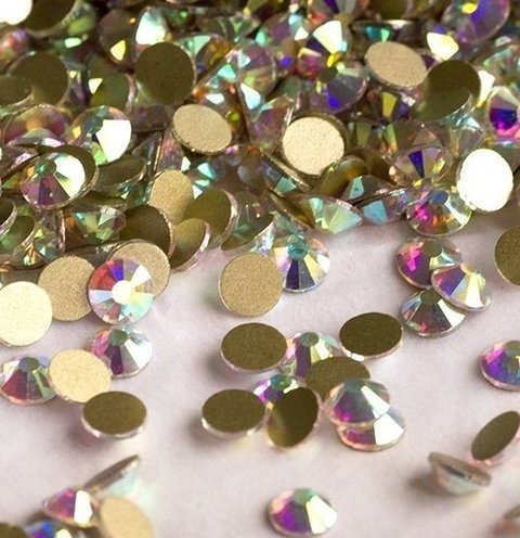 Strass Cristal AB  Furta-cor  - Base ouro-  1,5 mm