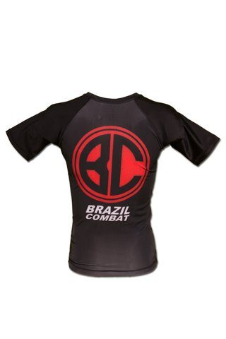 Rash Guard Red Shield MC Preta - Brazil Combat