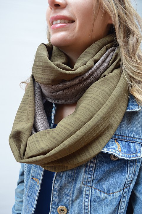 Infinity scarf Military - La Casa Jaguar on internet