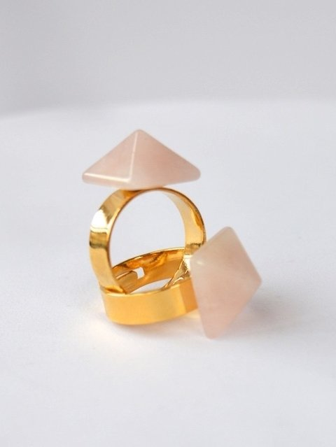 Ring Quartz pyramid-Mittu