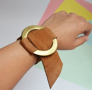 Leather Bracelet Circle-Pagamento on internet