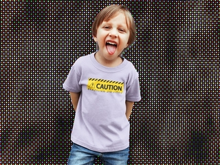 CAMISETA  CAUTION
