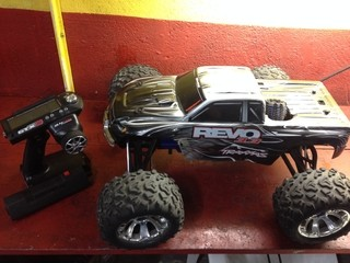 automodelo pick-up revo 3.3 traxxas.