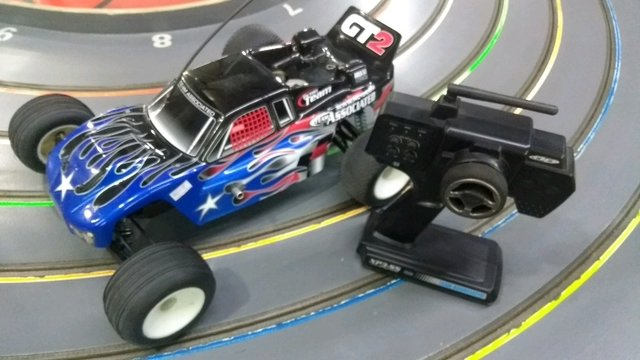 Automodelo 1/10 team associated com radio - comprar online