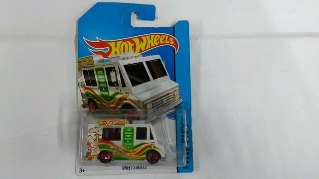 Hot Wheels sweet streets