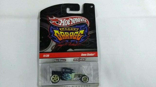 Hot Wheels garage bone shark