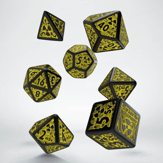 Set de 7 Dados Q-Workshop Nuke Revised Black & Yellow