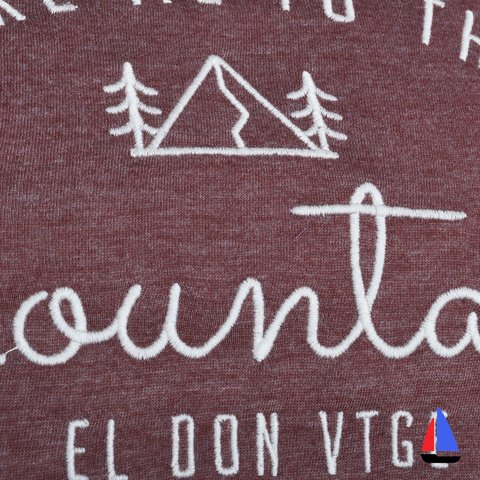 Remera Mountains Bordo El Don - comprar online