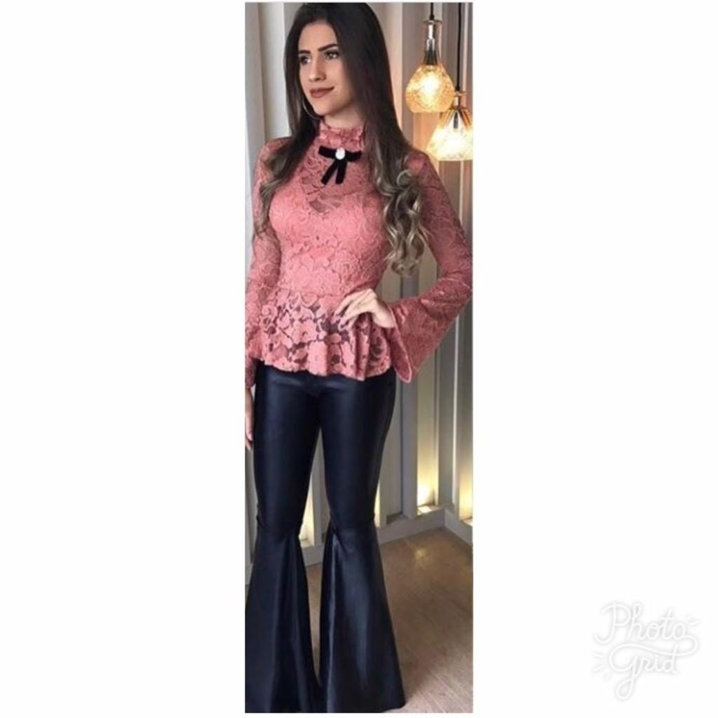 8f0accfa8c6a 2 Blusas de renda com elastano (Nude + Renda Rosa)