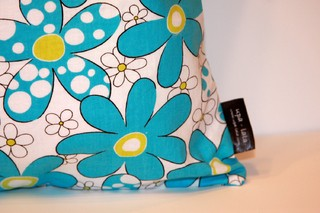 Daisies and Dots - Turquoise Blue - comprar online