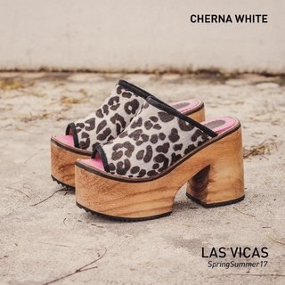 CHERNA WHITE en internet