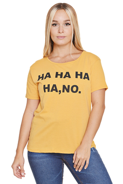 "Remera Algodón Estampada ""Ha ha, no"" en internet"