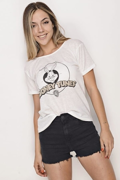 "Remera Aspen Estampa ""Looney Tunes"" en internet"