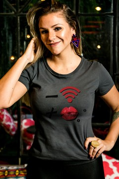T-shirt Decote Careca Wi-fi